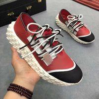 dantel yakala toptan satış-yardım iki renkli dantel ipek leatSher kaymayan için 19 yeni Avrupa istasyon düşük gevşek taban moda trendi erkek ayakkabıları göz alıcı