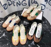 terciopelo verde mujer al por mayor-Zapatos de cuero ocasionales del nuevo diseñador de moda de lujo de las mujeres de los hombres de la raya verde ata para arriba las zapatillas de deporte de la plataforma zapatos de terciopelo ocasional de tenis chaussures