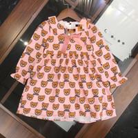 bebek kızı elbisesi toptan satış-Toptan Çocuk kız Pembe ayı elbise Bebek kız uzun kollu moda baskı mektup elbiseler çocuk giysileri