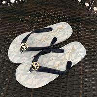 calçado para senhora venda por atacado-Moda Flip Flops Cor Sólida Sandálias de Tanga Mulheres Sandalias Praia Sapatos de Diversão para Venda Designer Sandálias Calçado