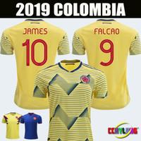 maillots de football américain achat en gros de-Nouvelle 2019 Colombie maillots de football Copa America Colombie JAMES Rodriguez Camiseta de futbol FALCAO Juan CUADRADO VALDERRAMA Maillots de football
