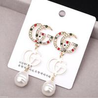 18 k altın kaplama askısı küpeleri toptan satış-Tasarımcı Harfler G Küpe Altın Kaplama Dangle Küpe Kırmızı Yeşil Beyaz Renkli Taş Earddrop Kadınlar Kız Parti Için Takı