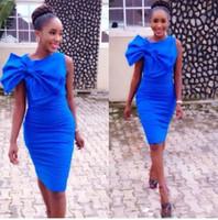 vestido grande tamanho joelhos venda por atacado-Sexy azul royal Na Altura Do Joelho Vestidos Cocktail Party com grande laço 2019 Plus Size Jóia pescoço Africano Árabe Noite Formal Vestidos de celebridades