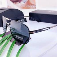 espejo de plata hombres gafas de sol al por mayor-Gafas de sol de piloto clásicas de alta calidad de diseñador Gafas de sol de metal grandes para hombres Mujeres Espejo de plata 58 mm 62 mm Lentes de vidrio Protección UV888