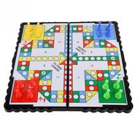 jogo de xadrez para crianças venda por atacado-2019 novo Novo Mini Portátil Dobrável Viagem Magnética Pegs Jogo de Tabuleiro Clássico Crianças de Plástico Xadrez Voando Crawling Mat Vôo Jogo
