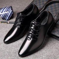 korece erkekler siyah ayakkabılar toptan satış-2019 Yeni Bahar Düğün Ayakkabı erkek Iş Eğlence profesyonel moda ayakkabı Keskin Kore versiyonu siyah pürüzsüz