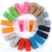 perchas de colores al por mayor-Resuable colorido del clip de lazo universal húmedo y secar la ropa Perchas fácil de utilizar plástico ABS Clothespin ningún rastro Bastidores