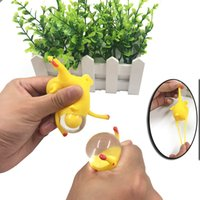 gummi-huhn stress spielzeug großhandel-Dekompression Weichgummi Erwachsene Kinder Anti-Stress-Spielzeug Huhn Eier legen Tiermodell Schlüsselbund Drücken Sie die Deformation Erhöhen Sie den Fokus