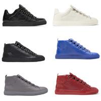 hauts pour hommes achat en gros de-Chaussures de designer pour hommes chaussures de sport en cuir froissé gris femmes baskets montantes et dessus bas baskets plates bottes confortables Chaussures de soirée