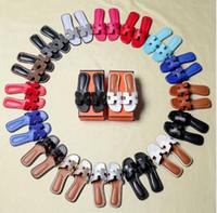 обувь женщина размер 43 сандалии оптовых-Женские сандалии Дизайнерская обувь Роскошные горки Летняя мода Широкие плоские скользкие сандалии Тапочки Флип-флоп размер 34-43 цветок