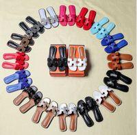 sandalia flip flop flores al por mayor-Sandalias de mujer Zapatos de diseño Deslizamiento de lujo Moda de verano Planas sandalias resbaladizas planas Flip Flop tamaño 34-43 flor