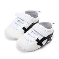 sapatas de borracha do caminhante do bebê venda por atacado-Baby Boy TPR sola Sneaker recém-nascidos meninas First Walkers botas de sola de borracha Crib couro esporte Shoes