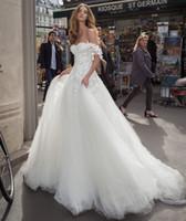 off branco vestidos de casamento cor venda por atacado-2019 A linha Off-ombro Lace vestidos de casamento branco cor princesa Backless vestido de casamento Customizing Design Cusome Made A12