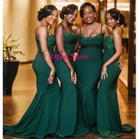 vestidos de dama de honor verde africano al por mayor-Hunter Green African Spaghetti Strap Vestidos largos de dama de honor Apliques Sweep Train Talla grande Sirena Vestido de fiesta robes de demoiselle d'honneur