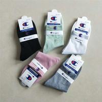 etiquetas de marcas venda por atacado-Mulheres homens de luxo designer de meias com tag etiqueta marca tripulação meias campeões nk adi fil meias de nível médio esportes hip hop tênis meias c7102