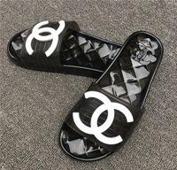 kadınlar için konforlu yeni ayakkabılar toptan satış-Yeni Moda Kadın erkek sandalet rahat Plaj ayakkabı şeffaf parmak arası terlik kadın rahat Jöle terlik unisex peep toe sandalet C84120