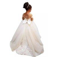 kızlar vintage gelinin elbiseleri toptan satış-2019 Uzun Kollu A-Line Çiçek Kız Düğün Için Elbiseler Genç Nedime Vintage Sheer Boyun Bow Geri Çocuklar Akşam Parti Kıyafeti