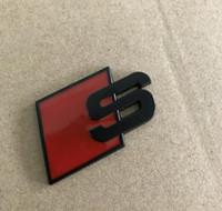 emblema do carro vermelho venda por atacado-Metal S Logo Sline Emblema Emblema Etiqueta Do Carro Vermelho Preto Frente Bota Traseira Da Porta Lateral apto para audi quattro acessórios vw tt sq5 s6 s7 a4