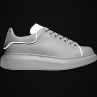 ingrosso scarpe da ginnastica calde-New Hot 3M scarpe riflettenti di design Moda scarpe da donna di lusso da uomo in pelle con plateau suola scarpe da ginnastica bianche scarpe casual nere