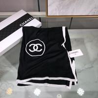 weiß gestickter schal großhandel-Luxus Schal Modemarke Designer Wolle Männer und Frauen gestrickte Kaschmir Schal Mode Buchstaben gestickten Schal schwarz und weiß