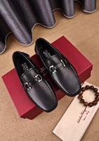 белый случайный указал обувь мужчины оптовых-2020ss белый серый размер 38-45 с коробкой металлическая точка Повседневная обувь для мужчин официальная обувь мужская формальная обувь лучшее качество квартиры обувь