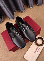 chaussures pointues casual casual achat en gros de-2020ss Blanc Gris Taille 38-45 Avec Boîte En Métal Point Chaussure Décontractée Pour Hommes Chaussures Officielles Hommes Chaussures Formelles Meilleure Qualité Appartements Chaussures