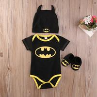 bebek batman kıyafetleri toptan satış-Yenidoğan Erkek Bebek Kız Elbise Batman Tulum + Ayakkabı + Şapka Kostümleri 3 Adet Kıyafetler Set