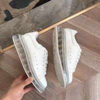 zapatos de goma blancos para las mujeres al por mayor-Lates Diseñador de la marca Zapatos casuales Hombres Zapatillas de deporte con fondo de vacío de goma transparente Zapatillas de deporte de mujer Zapatos de plataforma de cuero blanco 10