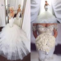 vestido de noiva sparkly tulle sereia venda por atacado-Sparkly Elegante Sereia Vestidos De Noiva De Cetim De Cristal Frisado Tule Inchado Capela Trem Vestidos De Noiva Vestidos De Novia