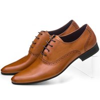 tan mens dress shoes leather 도매-CLORISRUO 대형 사이즈 EUR45 갈색 황갈색 / 검정 / 갈색 망 드레스 신발 정품 가죽 옥스포드 비즈니스 신발 망 결혼식