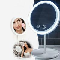 espejo de maquillaje batería al por mayor-Espejo de ventilador LED 3 en 1 con luz LED de lupa 5X y ventilador doble alimentado por batería o cable USB Sensor táctil LED espejo de maquillaje