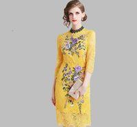 sarı zarif çiçekler elbisesi toptan satış-Sarı Dantel Elbise 2019 Yaz kadın Zarif Işlemeli çiçekler Ofis Rahat Ince Seksi Parti Elbiseler