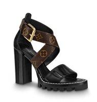 damen gummi fersen großhandel-Neueste Branded Frauen Leder Star Trail Sandale Designer Lady Crossroads Canvas Strap Schnalle Hohe Chunky Ferse Gummisohle Sandale