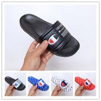 nouvelle mode sandales femmes achat en gros de-2019 nouvelle arrivée Champions tongs pour bonne qualité pantoufles de mode hommes femmes été plage pantoufle noir rouge sandales occasionnelles taille 36-45