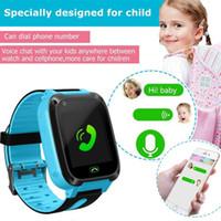 ingrosso locatore di carte-per dispositivi indossabili S4 Kids Smart Watch Phone, LBS / GPS SIM Card Bambino SOS Localizzatore di chiamate Schermo della fotocamera dropshipping
