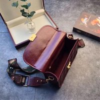 Wholesale oil skin bags for sale - Group buy Designer Crossbody Handbags Cracked Lattice Oil Wax Skin Perfect Jujube Red Color Wide Comfort Shoulder Strap Best Selling New Girl Bags