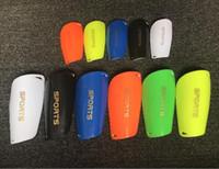 equipamento de esportes de proteção venda por atacado-Engrenagem protetora Homem Caneleiras Profissionais Esportes Guarda de Futebol Guarda de Futebol Almofadas de Perna Treinamento de Guarda-Redes Protetor Caneleiras