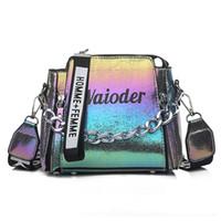 exquisite damen handtaschen großhandel-Laser Frauen beschriften Schulter-Beutel INS Beliebte Weibliche Handtasche Ferien PU-Kurier-Beutel für Dame Entwurf Exquisite Crossbody Bucket