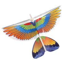 uçan kuş oyuncakları toptan satış-Rowsfire 1 Adet DIY Elektrik kızılötesi RC Uçurtma Kuş Oyuncak Doğa Sporları - 340A Kartal / 340B Papağan Türü
