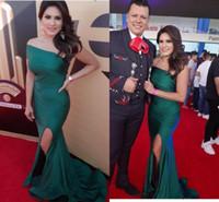 ingrosso vestito increspato verde smeraldo-Sexy verde smeraldo Prom DressES Charme una spalla increspata pieghettato formale spaccatura celebrità abito da sera sirena araba abiti del partito