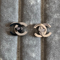 versand ohrringe großhandel-Oberste deluxe klassische Marke Designer Silber Brief Bolzen Ohr Ring Schmuck Gold Rose 3 Farben Ohrringe für Frauen Hochzeit Geschenk Freies Verschiffen