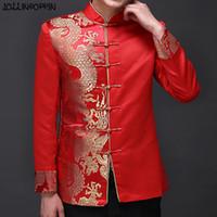 çince geleneksel erkek takımları toptan satış-Ejderha Desen Jakarlı Erkek Kırmızı Takım Elbise Ceket Mandarin Yaka Geleneksel Çin Erkekler Saten Düğün Ceket Kurbağa Kapatma