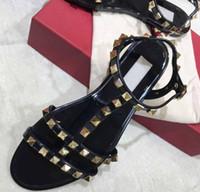 ingrosso sandali di gelatina di formato delle donne-Moda Donna di lusso Designer Sandali Rivetti Big Bowknot Sandali estivi Sandali da donna Sandali piatti Sandali in gelatina Taglia 35-40