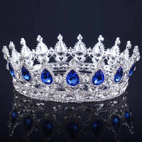 königin vintage großhandel-Vintage Gold Kopfschmuck Hochzeit Krone Legierung Braut Tiara Barock Königin König Krone Goldfarbe Strass Tiara und Krone billig