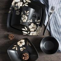 schalenmalerei großhandel-Im japanischen Stil Handbemalte schwarze Keramik-Platte Geschirr Hibiskus-Blume druckt quadratische Schüssel Japanese Restaurant Teller Teller Cup anzeigen