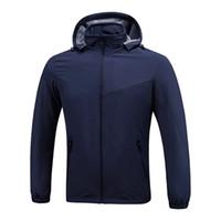 роскошная дизайнерская одежда оптовых-Роскошные мужские дизайнерские куртки ветровка черный синий мужчины женщины дизайнер зимние куртки мужская одежда пальто размер L-XXXL