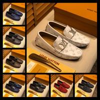 zapatos de cuero marrón para hombres al por mayor-Mezclar 128 modelos de lujo diseño del vestido Ace Zapatos Negro Gamuza marrón ocasionales de cuero de los holgazanes de los hombres deslizan en los zapatos Oxford señaló con la caja