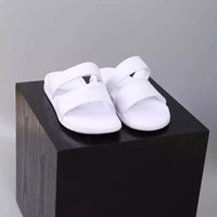 Wholesale booties women buckle online - With Box Classic Benassi Black White Sandals Shoes Women Men Lovers Fashion Anti slipping Outdoor slippers Soft Water Beach Sneakers
