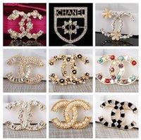 broches de diamantes al por mayor-2019 Nuevo broche de diseñador Crystal Diamond Bee Pins Broches de diseñador de lujo Broche de aleación de zinc Rhinestone Moda Mujer