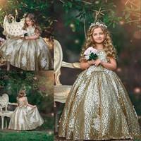 arcos de lantejoulas de ouro venda por atacado-2019 Novo Ouro Lantejoulas Flor Meninas Vestidos de Lantejoulas Apliques Sem Mangas Arco Floral Vestidos De Aniversário Primeira Comunhão Meninas Pageant Vestidos